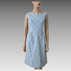 Floral Lace Wiggle Dress Vintage 1960s Sleeveless Blue White Daisies