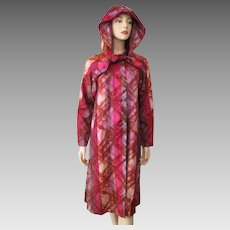 Swing Coat Raincoat Vintage 1950s Fuchsia Graphic Print Hood Larger Size