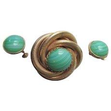 Accessocraft NYC Demi Parure Jewelry Set Vintage 1960s Mod Brooch Earrings Green Czech Art Glass Gold Plated