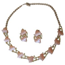 Choker Necklace Clip Earrings Set Vintage 1950s Peach Thermoset Lucite Leaves