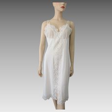 Fancy White Nylon Lingerie Full Slip Vintage 1960s Bridal Wedding