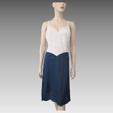 Vanity Fair Nylon Lingerie Full Slip Vintage 1960s Navy Blue White Lace B40