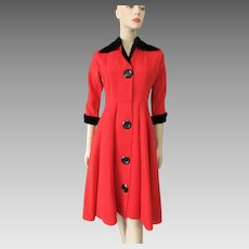 Black Red Coat Dress Vintage 1940s Ribbed Velvet Rayon Large Buttons