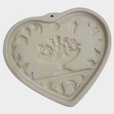 1997 Pampered Chef Come To The Table Heart Cookie Mold