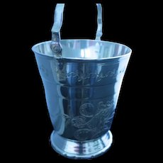 Striking Ice or champagne bucket