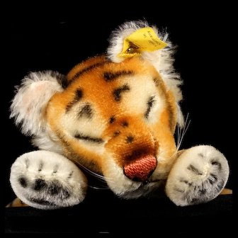 Little Brother Rare and Adorable Steiff Sleeping Floppy Tiger 2 IDs 1956-1958!