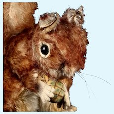 Beautiful Coloring Middle Sister Steiff Perri Squirrel ID Licensed by Walt Disney Productions