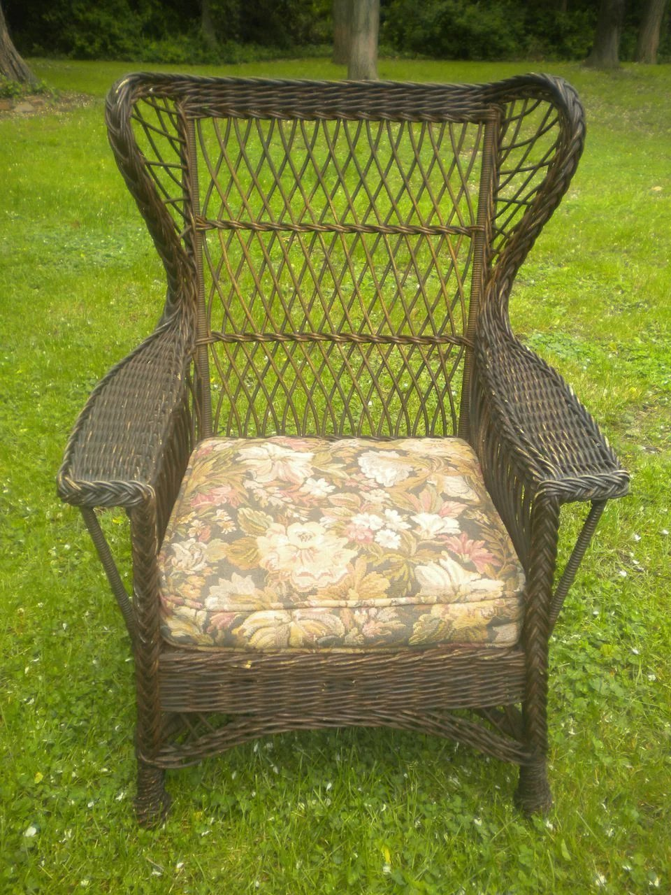 Vintage Large Natural Bar Harbor Wicker Gentleman S Wing