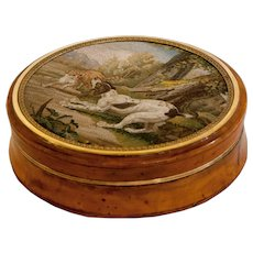 """""""Cat and dog fighting"""" micromosaic snuff box"""