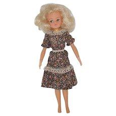 """11"""" Sindy Fashion Doll"""