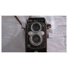 YashikaMat Copal MXV Twin Lens Reflex Camera, Leather Case