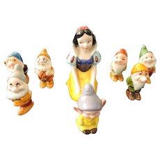Kneeling Snow White and the 7 Dwarfs, Walt Disney Productions, Japan