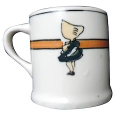 Roseville Child's Mug, Sunbonnet Girl