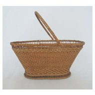 Fine Antique Chinese Export Rice Straw Miniature Basket Purse