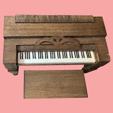 1982 Richard Sargent dollhouse miniature piano/spinet  & bench