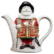 Sadler Teapot, Thameside Yeoman Warder
