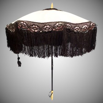 Gorgeous French Polished cotton & Silk lace Couturier Parasol in Excellent Condition c. 1900's