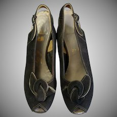 Stunning Vintage 1940's Airstep Black Suede Bow Front Peep Toe Sling backs Pumps