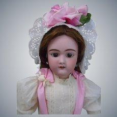 Heinrich Handwerck French market DEP 109 Bébé Doll