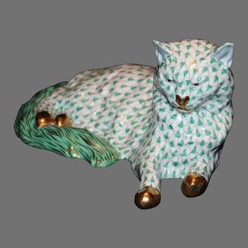 "Herend Green Fishnet 8 3/4"" Reclining Cat"