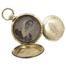 Antique 10K Yellow Gold Daguerreotype Pocket Watch Style Locket. Two Original Photos
