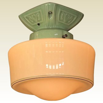 Vintage Bungalow Green Porcelain with Cremax Shade