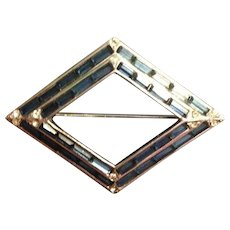 Beautiful Vintage Diamond Shaped Brooch with Sapphire Rhinestone Baguettes