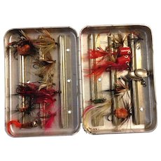 Vintage Hand Tied Flies in Perrine #66 Vintage Fly Box