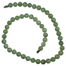 Green Jadeite Beaded Necklace