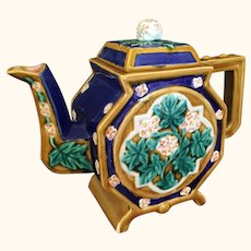 """Majolica Type Tea Pot from Seymour Mann 8"""" tall"""