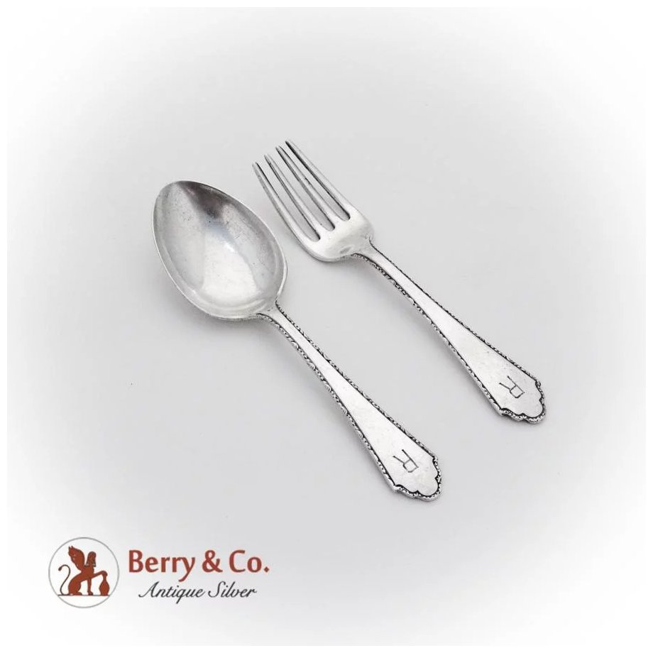 William and Mary By Lunt Sterling Silver  Infant Feeding Spoon 5 34 Custom
