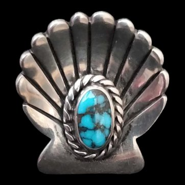 Native American Sterling and Turquoise scallop shell ring. size 7 1/4.