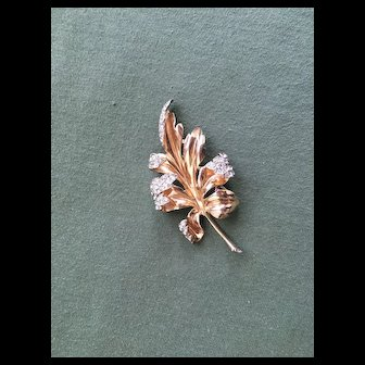 Elegant Vintage CROWN TRIFARI Leaf Fur Clip - Rhinestone Tips