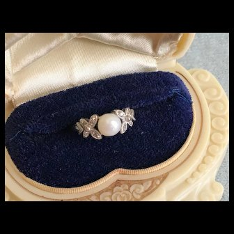 Elegant Vintage Cultured PEARL & DIAMOND Ring 14K White Gold