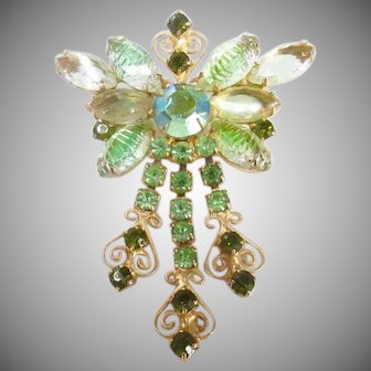 Vintage Juliana D&E Peridot Rhinestone Dangle Brooch