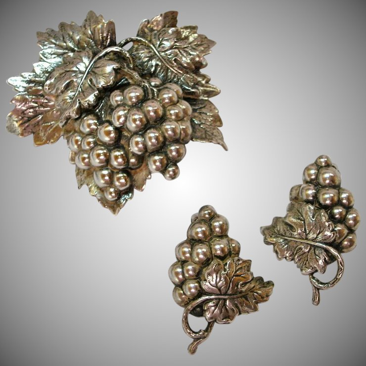 Napier G Leaf Brooch Earrings