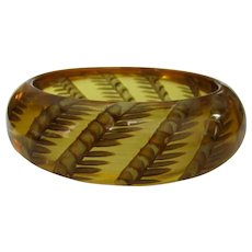Apple juice Bakelite Bracelet, Reverse Carved Wheat, Deco