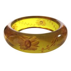 Vintage Bakelite Bracelet, Reverse Carved Apple Juice Floral, Deco