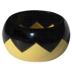 Zig Zag Bakelite Ring, Vintage 40's Cream & Black