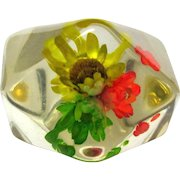 Vintage Lucite Ring, Embedded Straw Flowers, 1960's