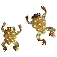 Frog Pin, Trifari Alfred Philippe Glass Pearls & Rhinestones, 1952, Pair