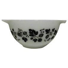 Pyrex Gooseberry Bowl, Black on White, Vintage Nesting