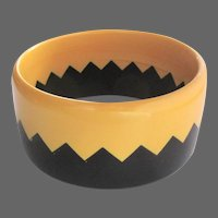 Bakelite Zig Zag, Saw Tooth Bracelet, 80's / 90's Vintage