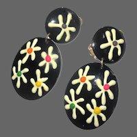 Vintage 60's Earrings, Clip ons, Flower Power, Black with Daisies