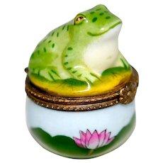 Vintage Porcelain Hinged Frog Lilypad Trinket Ring Box