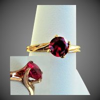 10K YG Lab Ruby Ring with Spiral Twist Mount, Size 7 1/4