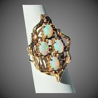 9.2 Grams, 14K YG Opal Ring, Size 7 1/2