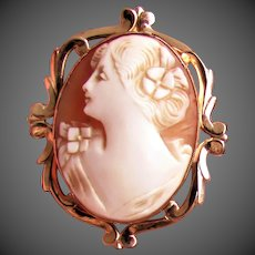 10K YG Retro Carved Shell Left Facing Cameo Pendant / Pin
