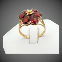 14k YG Red Garnet Ring with Flower Petal Design Size 6 3/4