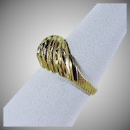 14K Yellow Gold Swirled Dome Ring Size 5
